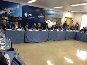 Empresas brasileiras firmam acordo para realizar projetos de energia renovável e igualdade de gênero/