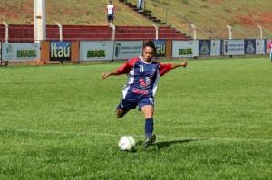 """1ª Copa Universitária de Futebol Feminino inicia nesta 2ª feira e divulga """"O Valente não é violento""""/"""