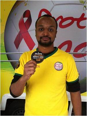 O Valente Não É Violento distribui um milhão de adesivos na Copa do Mundo/