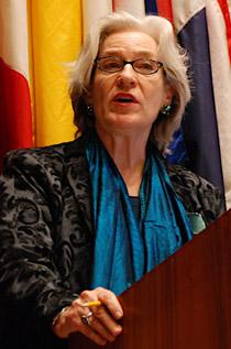 Marijke Velzeboer-Salcedo chefiou o Departamento de América Latina e Caribe do UNIFEM