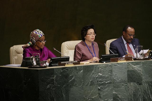 Progresso para mulheres nos últimos 20 anos tem sido inaceitavelmente lento, conclui estudo da ONU/