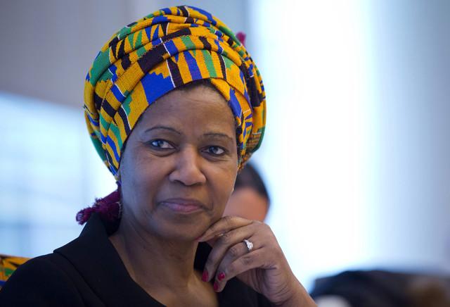 Em artigo publicado na Folha de S.Paulo, diretora executiva da ONU Mulheres chama atenção para a urgência de ações concretas para a igualdade de gênero/