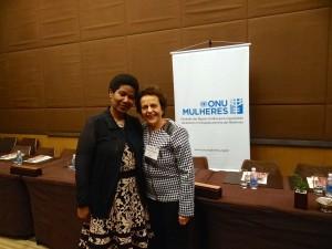 Diretora Executiva da ONU Mulheres, Phumzile Mlambo Ngcuka, recebe prêmio na Cúpula Global das Mulheres/
