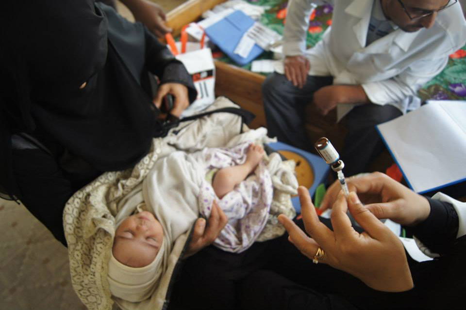 Estratégia da ONU consegue 25 bilhões de dólares para acabar com mortes evitáveis de mães e crianças/