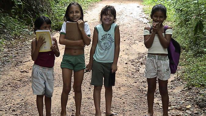 Gravidez precoce e afazeres domésticos na infância contribuem para a desigualdade de gênero, diz ONU/