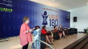 Central de Atendimento à Mulher   Ligue 180 completa 10 anos/