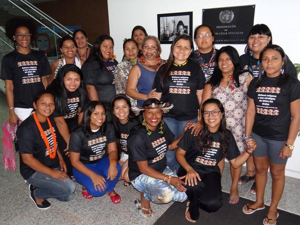 """""""O compromisso do Brasil tem que ser com os nossos direitos"""", diz Sônia Guajajara, do movimento de mulheres indígenas/"""