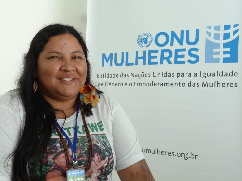 Mulheres indígenas estão na luta pela terra e sofrem ameaças de madereiros/