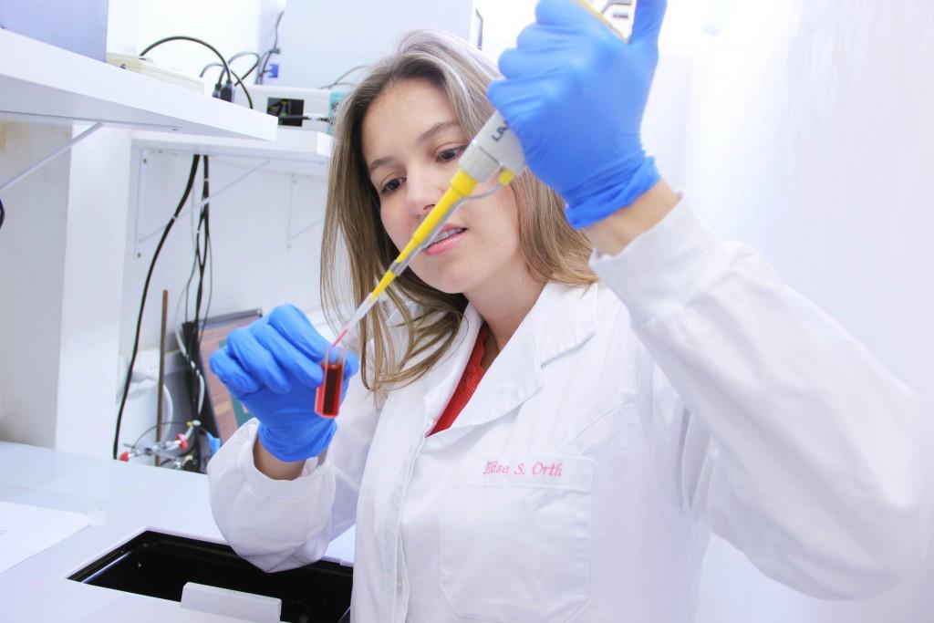 Prêmio da UNESCO e parceiros para mulheres na ciência abre inscrições; prazo é dia 6 de maio/