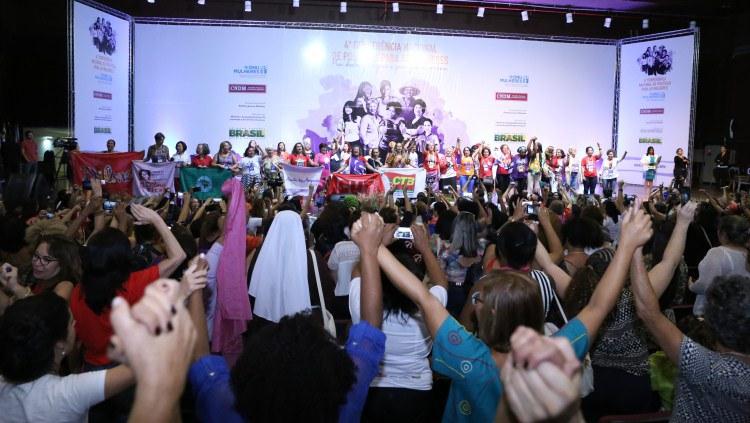 4ª Conferência de Políticas para as Mulheres termina e exige manutenção das conquistas de gênero/