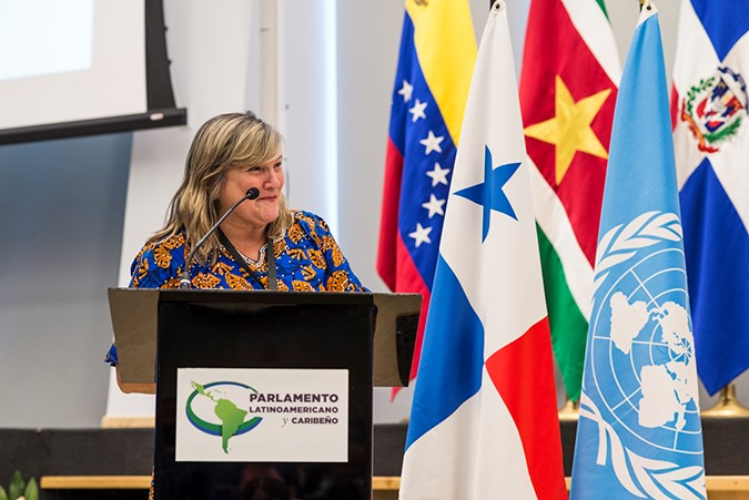 Governos da América Latina e Caribe se comprometem a empoderar mulheres no trabalho/