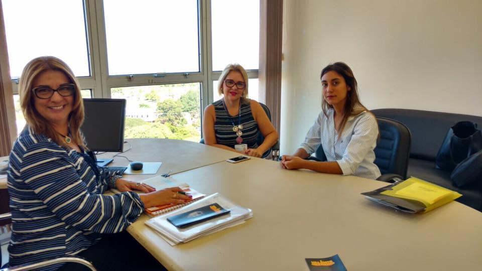 No Dia Laranja, ONU Mulheres destaca temática de educação e mapeia experiências de prevenção à violência nas escolas do RS/