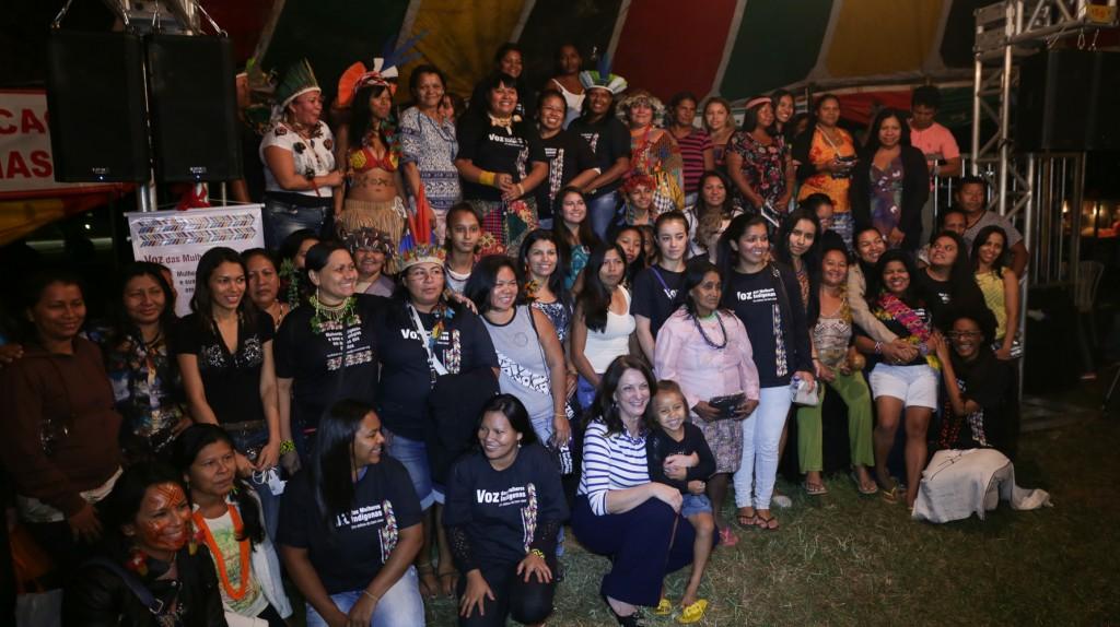 Mulheres indígenas organizam plenária na programação oficial do Acampamento Terra Livre/