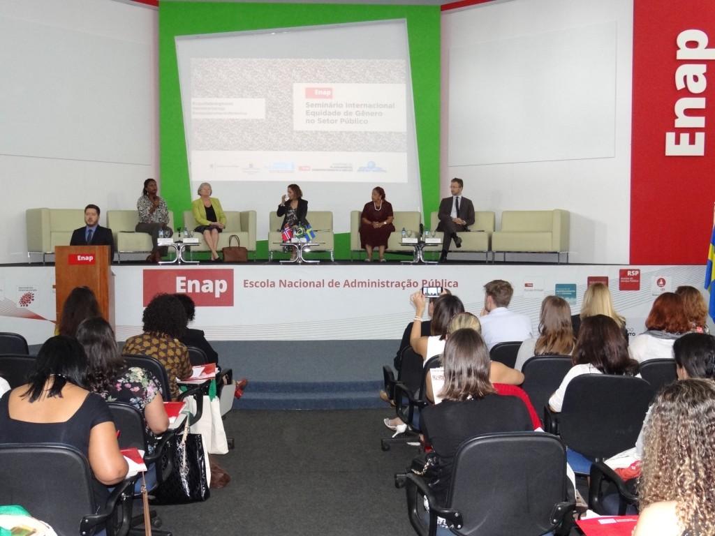 Enap, Embaixada da Noruega, Embaixada da Suécia e ONU Mulheres dão início ao Seminário Internacional Equidade de Gênero no Setor Público/