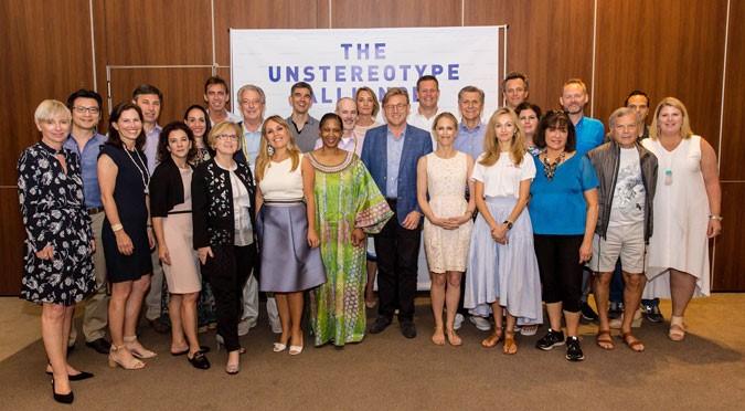 Em Cannes, diretora executiva da ONU Mulheres convida indústria global para eliminar estereótipos de gênero na publicidade/