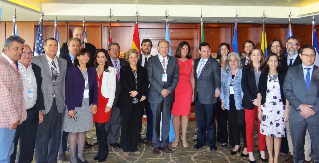 Associação Internacional de Radiodifusão e ONU Mulheres assumem compromisso em defesa dos direitos das mulheres nos meios de comunicação/planeta 50 50 noticias