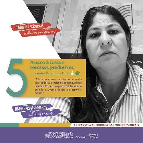 Mulher rural: a base da agricultura familiar que proporciona o acesso à terra e a recursos produtivos./noticias mulheres rurais empoderamento economico