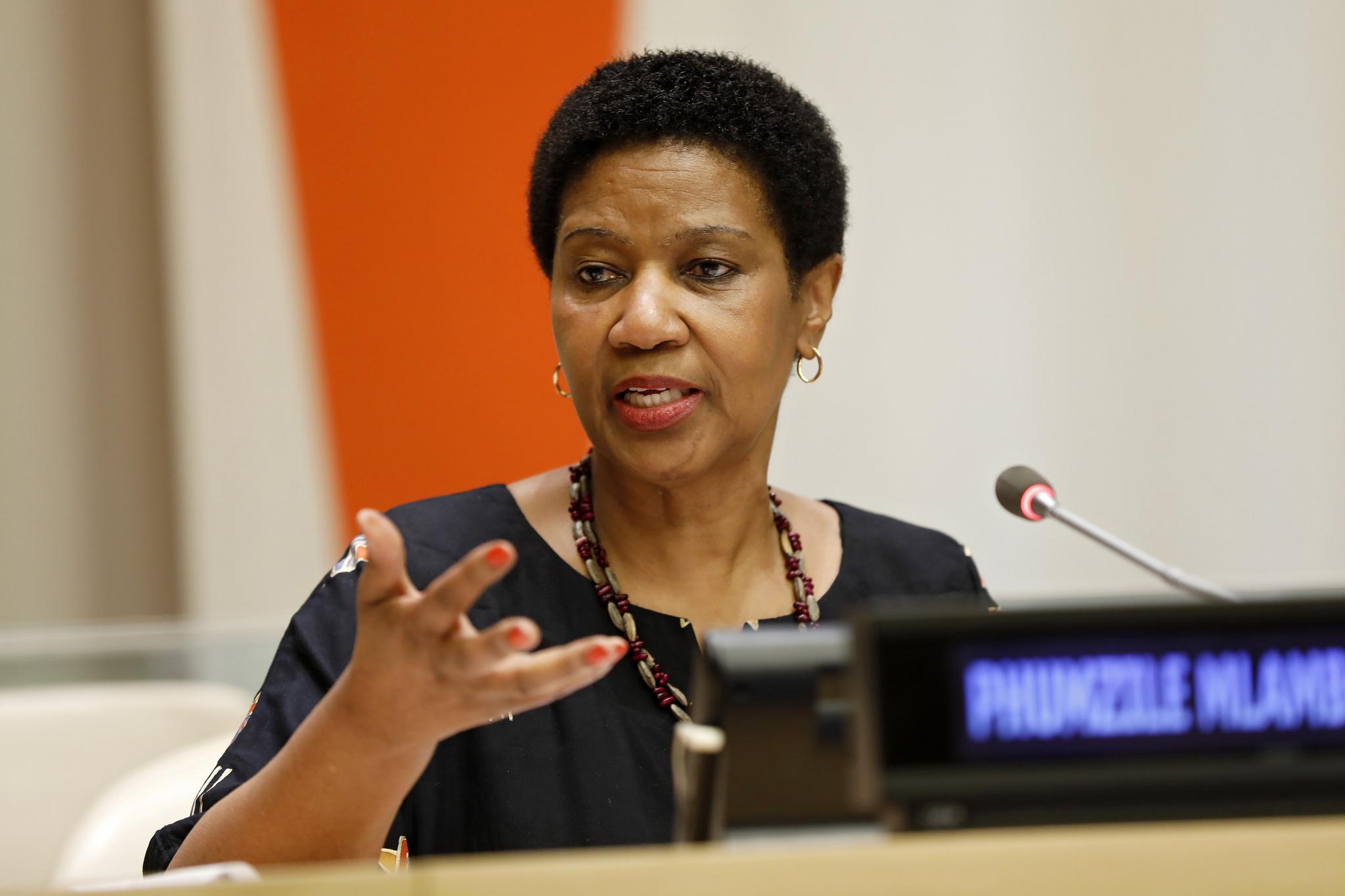 Conhecer o estado sorológico do HIV é decisivo para tomar decisões, diz diretora executiva da ONU Mulheres/onu mulheres noticias direitos humanos direitosdasmulheres 16 dias de ativismo
