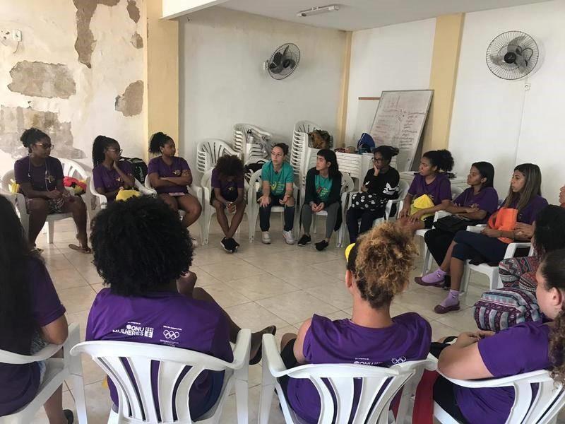 Um dia na vida das mulheres que orientam a implementação do programa Uma Vitória Leva à Outra/uma vitoria leva a outra principios de empoderamento das mulheres onu mulheres noticias empoderamento economico