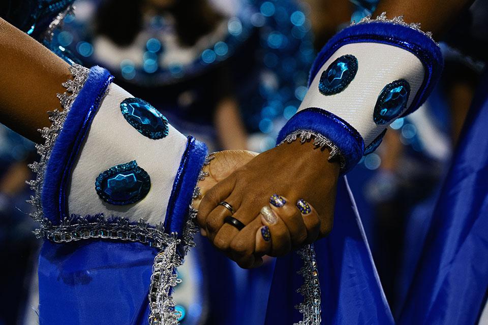 Jogadora Marta e meninas do 'Uma vitória leva à outra' celebram empoderamento no Carnaval do Rio/uma vitoria leva a outra onu mulheres ods noticias geracao igualdade carnaval