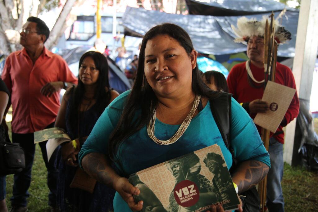 Mulheres em espaços de poder: Maria Leonice Tupari, conectando mulheres indígenas e defendendo direitos humanos/noticias mulheres indigenas igualdade de genero geracao igualdade direitos humanos direitosdasmulheres defensoras de direitos humanos covid19