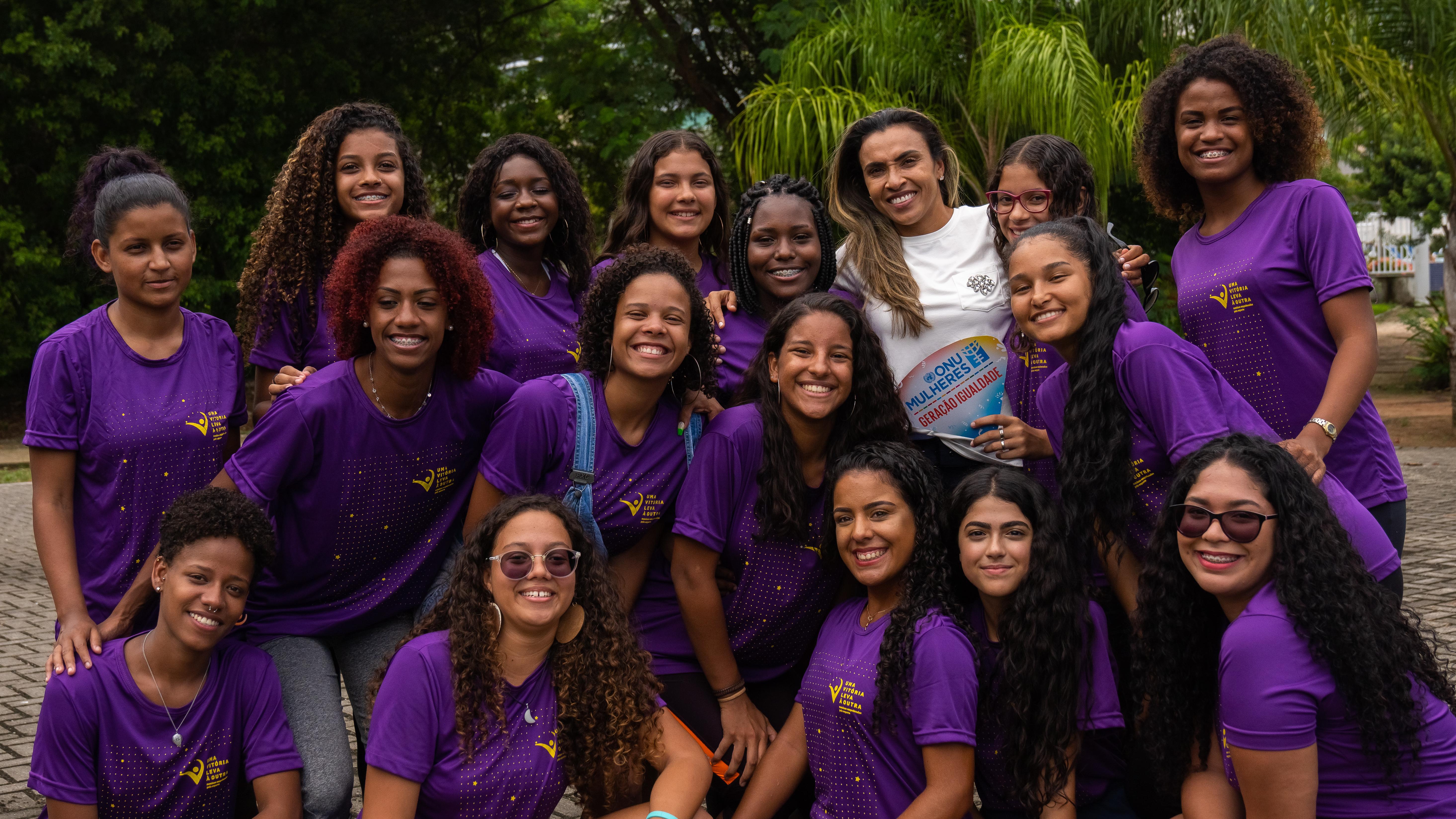 """Nós, mulheres, estamos conquistando nosso lugar no esporte, porque lutamos para isso"""", diz Letícia Teixeira, beneficiária do programa Uma Vitória Leva à Outra, sobre Tóquio 2020/noticias mulheres no esporte meninas marta geracao igualdade covid19"""